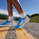 Hoka présente sa nouvelle chaussure route dotée d'une plaque carbone, la Rocket X.